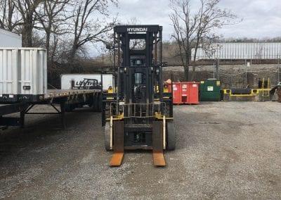 8000 lb lift truck